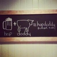 2/27/2012 tarihinde Chris M.ziyaretçi tarafından Hopdoddy Burger Bar'de çekilen fotoğraf