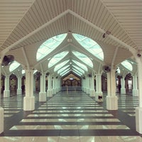 Photo taken at Masjid Asy-Syakirin by Raja Ariff on 3/30/2012