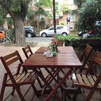Foto tirada no(a) Barbarella Bakery por Alexandra Aranovich em 8/25/2012