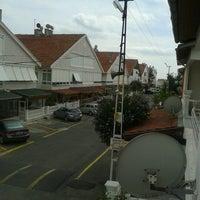 Das Foto wurde bei İstanbul Kent Sitesi von Alican Ü. am 9/12/2012 aufgenommen