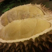 Photo taken at Durian lingers by Ramon M. on 8/1/2012