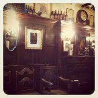 Foto tirada no(a) Ye Olde Mitre Tavern por +Vil em 2/22/2012