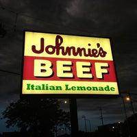 Photo taken at Johnnie's Beef by Lauren K. on 5/26/2012