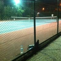 Photo taken at Yoğurtçu Parkı Tenis Kortu by Alp A. on 9/10/2012