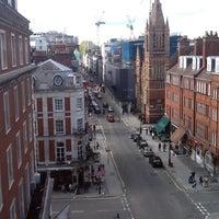 Photo taken at London Marriott Hotel Grosvenor Square by Felix M. on 5/12/2012