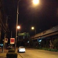 Photo taken at Meiko Trans@L.P.N Tower Rama 3 by กฤษฎา ว. on 8/1/2012