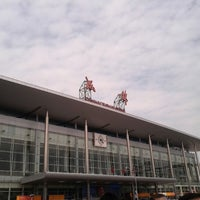 Photo taken at 成都站 Chengdu Railway Station by 용구르 on 9/13/2012