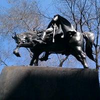 3/22/2012 tarihinde Fernando L.ziyaretçi tarafından Simon Bolivar Statue'de çekilen fotoğraf
