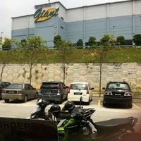 Photo taken at Giant Hypermarket by Mista Z. on 3/3/2012