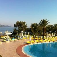 6/15/2012 tarihinde Ekin S.ziyaretçi tarafından Işıl Club'de çekilen fotoğraf