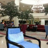 Foto tomada en Hotel Aryaduta por Mariana P. el 9/4/2012