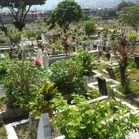 รูปภาพถ่ายที่ Tanah Perkuburan Islam Jalan Cheras โดย Airul A. เมื่อ 9/9/2012
