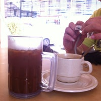 Photo taken at Nan yang coffee shop by Ng K. on 7/7/2012