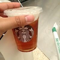 Foto scattata a Starbucks da Jared G. il 4/27/2012