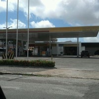 Photo taken at Posto Shell Jovita by Elton C. on 5/3/2012