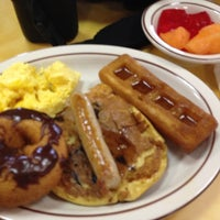 Photo taken at Frisch's Big Boy by Melissa D. on 4/22/2012