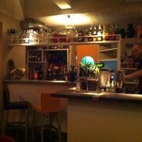 Foto scattata a Cabala Cafè da FunkyCharlotte il 5/6/2012