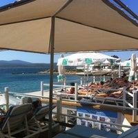 8/20/2012 tarihinde Erman K.ziyaretçi tarafından Mukka Beach Club'de çekilen fotoğraf