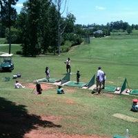 Photo prise au Charlie Yates Golf Course par Tanya D. le5/19/2012
