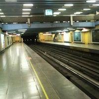 Foto tomada en Metro República por Wladimir S. el 2/6/2012