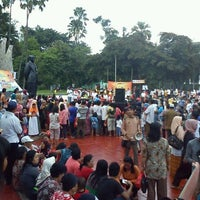Photo prise au Tugu Proklamasi (Proclamation Monument) par Chairul A. le4/15/2012