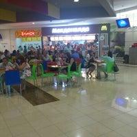 Foto scattata a McDonald's da Ruslan M. il 7/19/2012