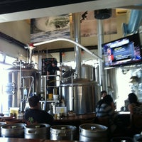 Photo prise au Pizza Port Brewing Company par David G. le3/9/2012