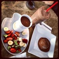 3/21/2012 tarihinde Derin I.ziyaretçi tarafından Valonia Chocolate'de çekilen fotoğraf