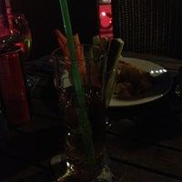 Foto tomada en Chops Cafe & Pub por Noah el 6/29/2012