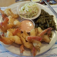 Photo taken at O'Steen's Seafood Restaurant by Jeremy A. on 3/1/2012
