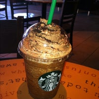 Photo prise au Starbucks par Brian S. le5/23/2012