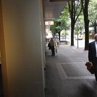 รูปภาพถ่ายที่ Prada โดย Mateusz เมื่อ 7/2/2012