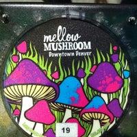 2/12/2012 tarihinde KinipelaJLNziyaretçi tarafından Mellow Mushroom'de çekilen fotoğraf