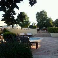 6/22/2012 tarihinde HMHziyaretçi tarafından Swissôtel Swimming Pool'de çekilen fotoğraf