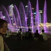 Foto tirada no(a) Marina Bay Sands Boardwalk por Ryan G. em 6/16/2012