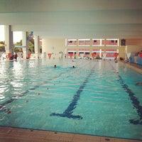 รูปภาพถ่ายที่ Jurong West Swimming Complex โดย Kevin C. เมื่อ 4/11/2012