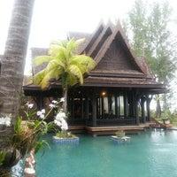 Photo taken at Takolaburi Cultural and Spa Resort by Kathawut T. on 8/18/2012