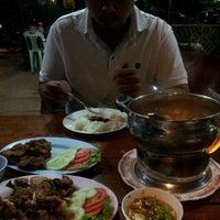 Photo taken at ร้านอาหารเรือนชาน by Puy P. on 7/2/2012
