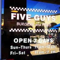 Photo taken at Five Guys by Tohru K. on 8/19/2012