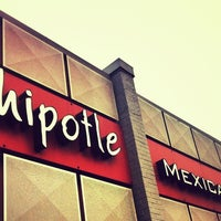 Photo taken at Chipotle Mexican Grill by Duaa B. on 8/3/2012