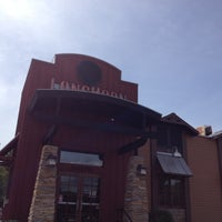 Photo taken at LongHorn Steakhouse by Rosario T. on 8/5/2012