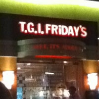 Photo taken at TGI Fridays by Marianne Angeli N. on 3/23/2012