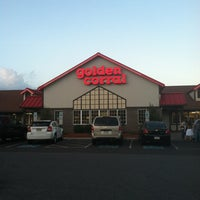 Photo taken at Golden Corral by AxiS on 8/27/2012