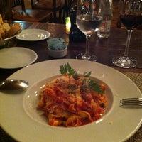 Foto tirada no(a) Fratelli Restaurante e Pizzaria por Jaqueline F. em 7/15/2012