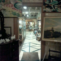Photo taken at vintage bank antiques by Ekaterina V. on 4/8/2012