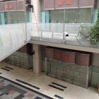 Photo taken at 神戸阪急 by weekend_tetsubun on 4/19/2012