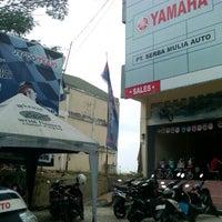Photo taken at Yamaha Serba Mulia Auto (Ring Road) by Yamaha Serba M. on 8/28/2012