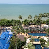 Photo taken at Jomtien Palm Beach Hotel&Resort by Nataly K. on 4/13/2012