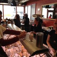 2/4/2012 tarihinde Henry S.ziyaretçi tarafından Antonelli's Cheese Shop'de çekilen fotoğraf