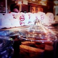 3/9/2012 tarihinde Carolziyaretçi tarafından Espresso Vivace'de çekilen fotoğraf